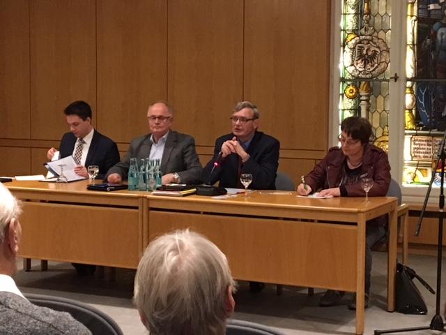 vl: MdL Marcel Scharrelmann, Horst Glockzin, Fraktionsvorsitzender Gerd Albers und Sabine Walker